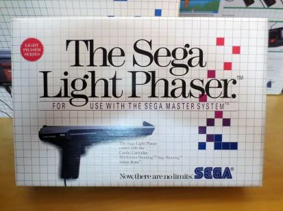 Boxed Sega Light Phaser 01